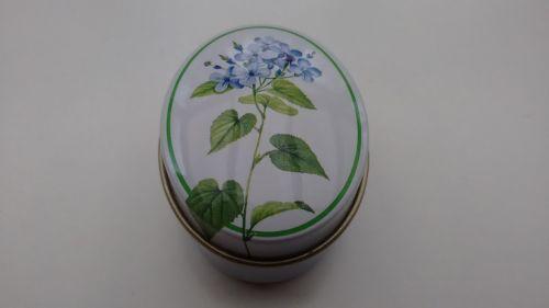 Pillendose oval mit Blumenmotiv ohne Einsatz