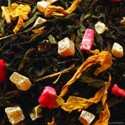 Mittsommernacht Tee mit Erdbeer-Mango-Note